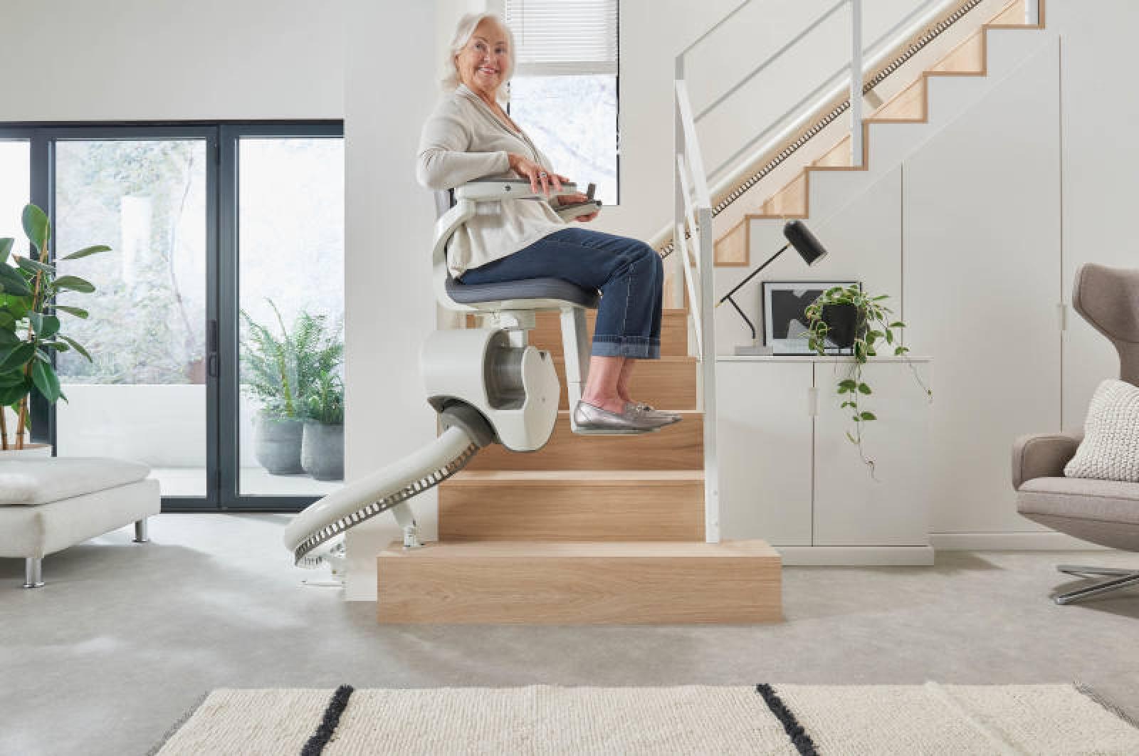 Visuel : FLOW X: le nouveau monte- escalier monorail design et innovant d'Access