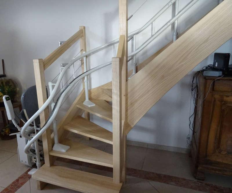 Visuel : Curve monte-escalier tournant - CHATEAUNEUF-DE-GALAURE 26330