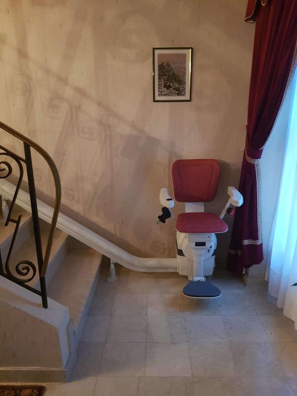 Siège monte-escalier monorail Ultimate - BOURG-LES-VALENCE 26500