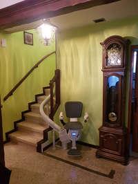 Le fauteuil Ultimate: face à face avec l'escalier - MONTELIMAR 26200