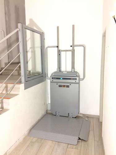 Plateforme élévatrice verticale de chez ASCENDOR - JAUJAC 07380