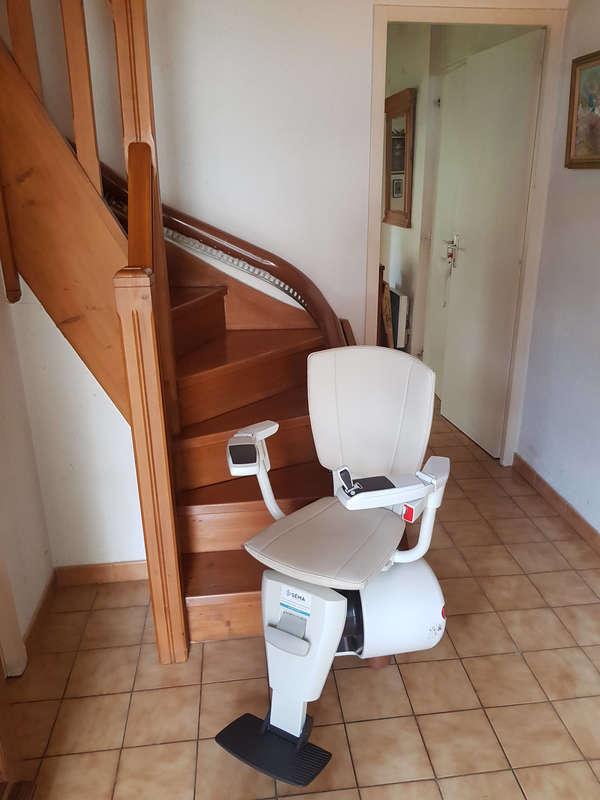 Visuel : BALI : Le monte-escalier tournant  - SAINT-PERAY 07130