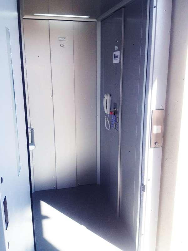 Visuel : Ascenseur privatif modèle E07 - SOYONS 07130