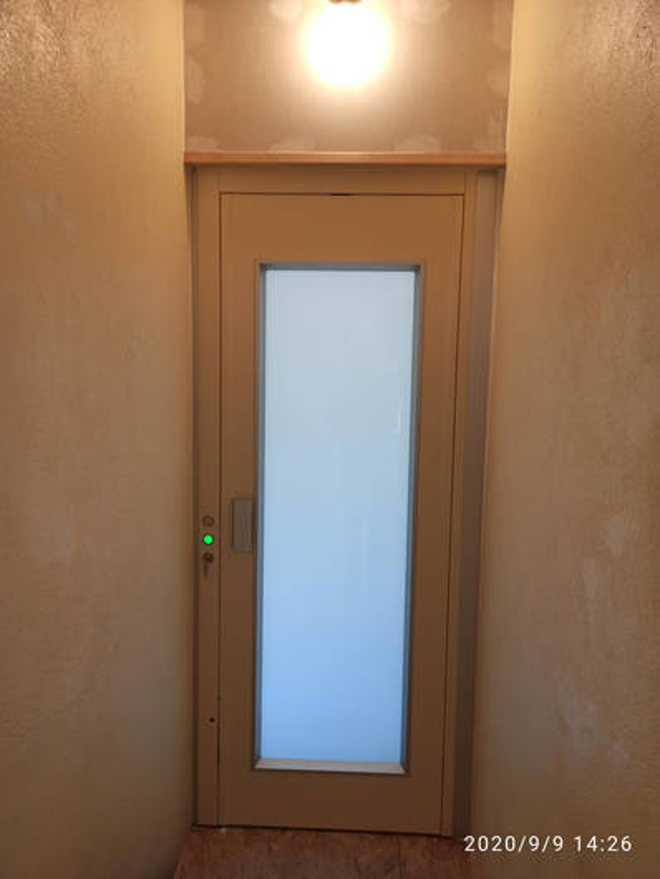 Élévateur Elfo - 2 niveaux - portes battantes manuelles - LIVRON-SUR-DROME 26250