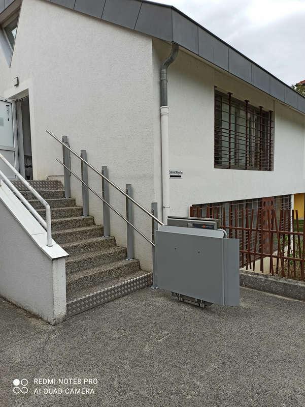 PLG7 : Plateforme monte-escalier rectiligne - JARRIE 38560