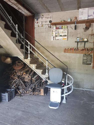 Fauteuil monte-escalier sur-mesure Curve - LES OLLIERES-SUR-EYRIEUX 07360