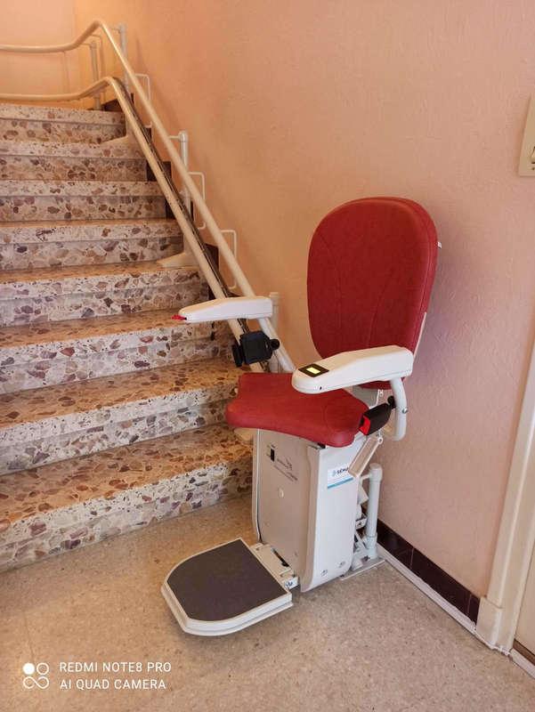 Chaise monte-escalier sur-mesure au Cheylard - LE CHEYLARD 07160