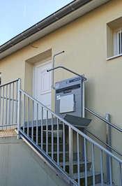 Plateforme monte escalier pour PMR - MALISSARD 26120