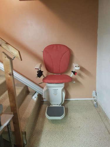 IBIZA: la référence monte-escalier droit - MONTELIMAR 26200