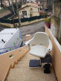 Fauteuil monte personne électrique pour escalier extérieur droit  - BOURG-LES-VALENCE 26500