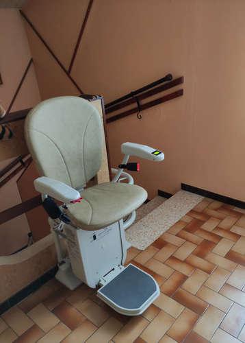 La chaise montante 'Curve' pour les escaliers courbés - ANCONE 26200