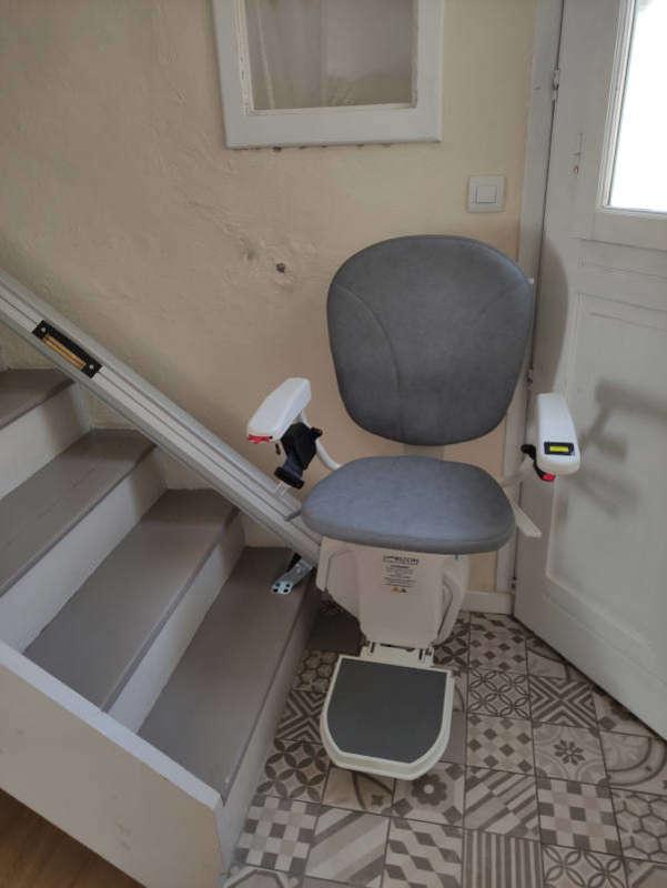 Visuel : Montes-escaliers en intérieur : droit et tournant - BOURG-LES-VALENCE 26500