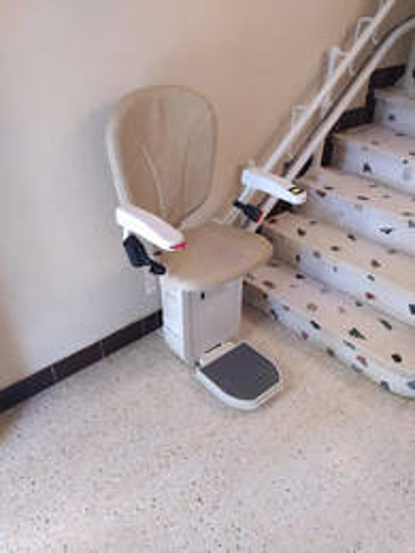 Chaise monte personne tournante de chez Access - MALISSARD 26120