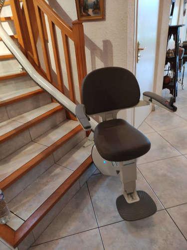 Accessibilité Drôme: le monte escalier FIDJI a la cote - SAINT-VALLIER 26240