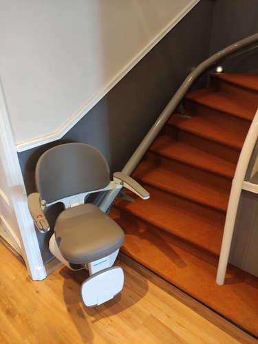 Fidji : L'accessibilité d'un escalier sur mesure - LORIOL-SUR-DROME 26270