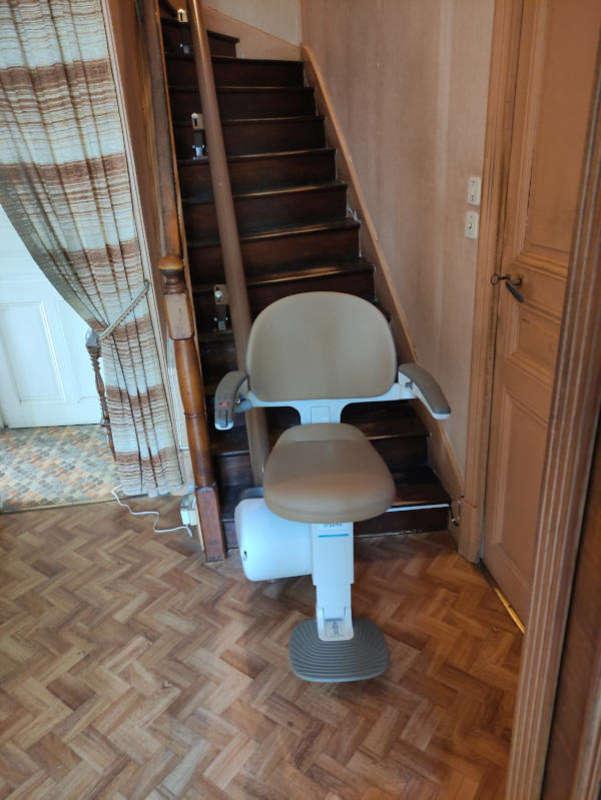 Monte-escalier tournant 'Fidji' - ROMANS-SUR-ISERE 26100