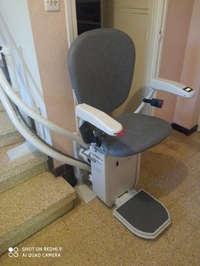 Chaise monte escalier et rail sur mesure pour escalier tournant - BEAUCHASTEL 07800