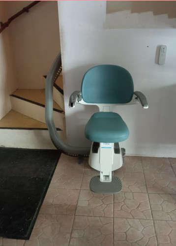 Accessibilité en Isère : monte escaliers tournant installé - BONNEFAMILLE 38090