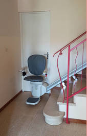 Accessibilité Ardèche: chaise monte-escaliers rectiligne - SAINT-JEAN-DE-MUZOLS 07300
