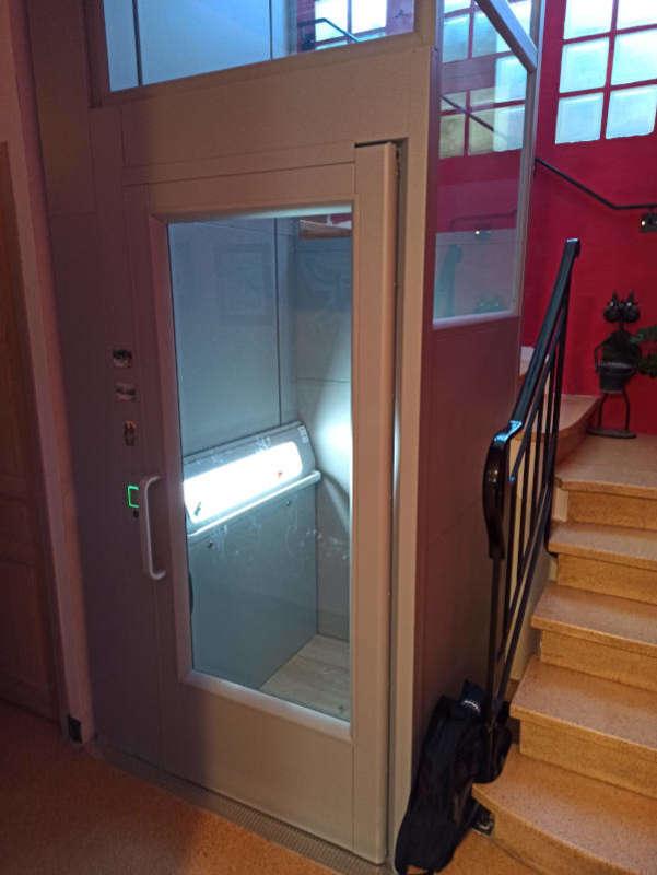 Visuel : Accessibilité Vaucluse : l'Ascenseur privatif d'ARITCO - AVIGNON 84000
