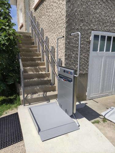 Plateforme monte escaliers droite d'Ascendor - RIVES 38140