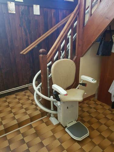 Un escalier accessible pour ses usagers - SAINT-DIDIER-DE-BIZONNES 38690