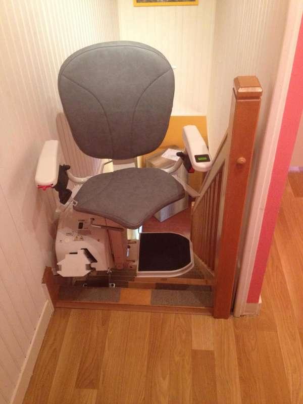 Visuel : chaise monte-escalier Horizon Plus avec assise pivotante - CHABEUIL 26120