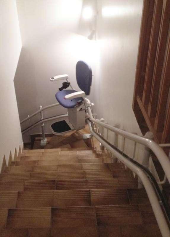 Chaise monte-escalier CURVE, maison de particuliers - CREST 26400
