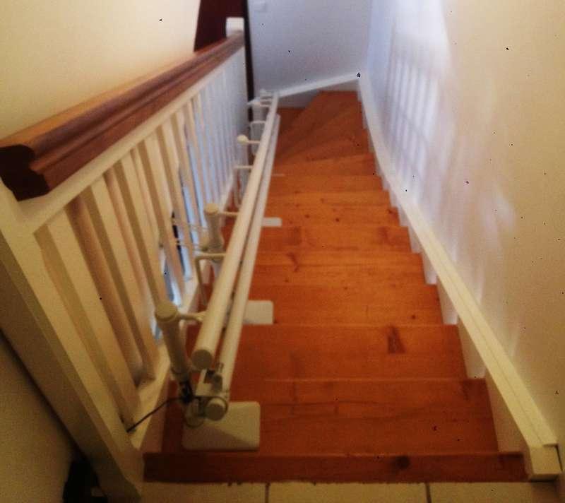 CURVE - chaise monte-escalier tournant - VALS-LES-BAINS 07600