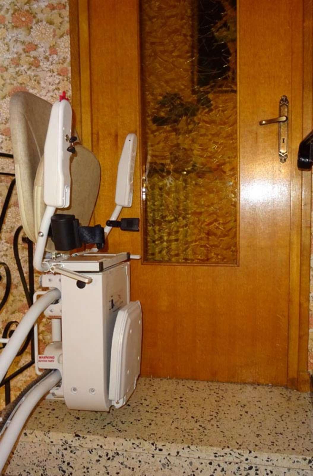 monte escalier tournant curve privas 07000. Black Bedroom Furniture Sets. Home Design Ideas