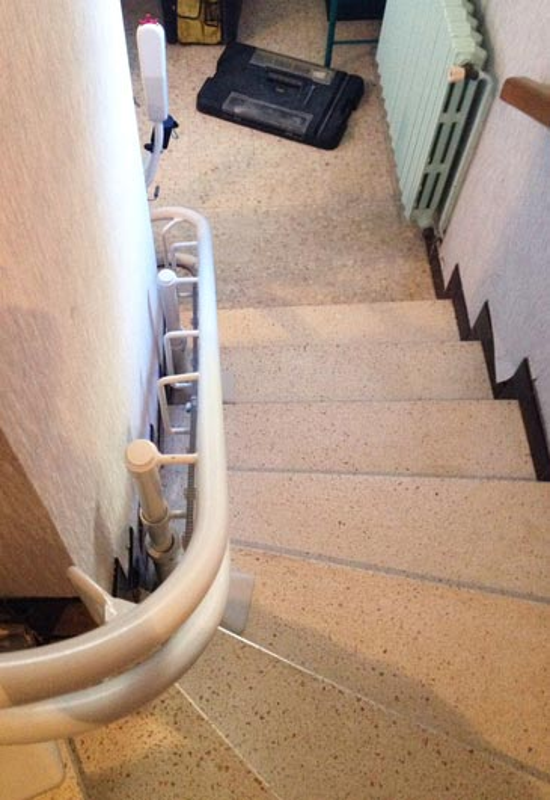 Populaire Chaise Monte-escalier CURVE - maison privée - VALLON-PONT-D'ARC - SÉMA RD36