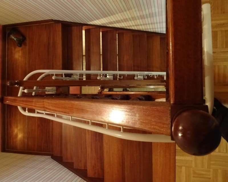 monte escalier tournant sur 3 tages guilherand granges sma. Black Bedroom Furniture Sets. Home Design Ideas