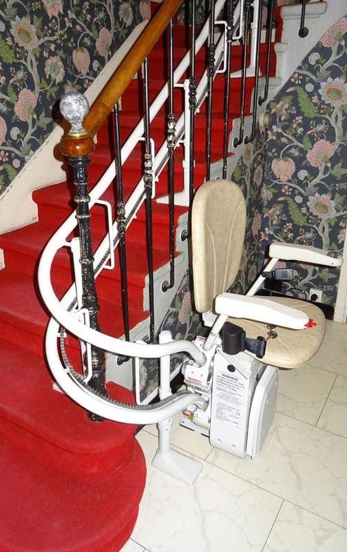 Curve - fauteuil monte escalier  -