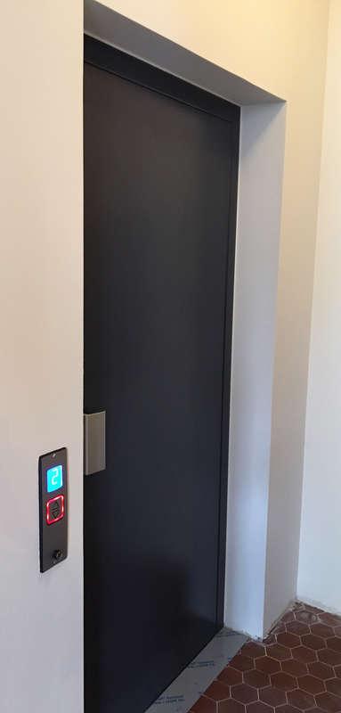 Visuel : Ascenseur E07 - 3 niveaux - AVIGNON 84000