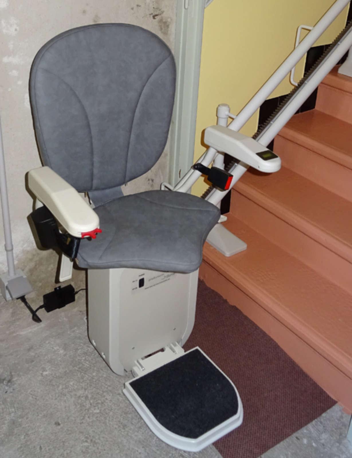 chaise monte escalier curve crest 26400. Black Bedroom Furniture Sets. Home Design Ideas