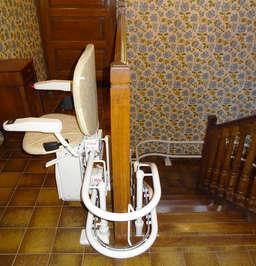 Monte-escalier CURVE tournant intérieur - LE CHEYLARD 07160