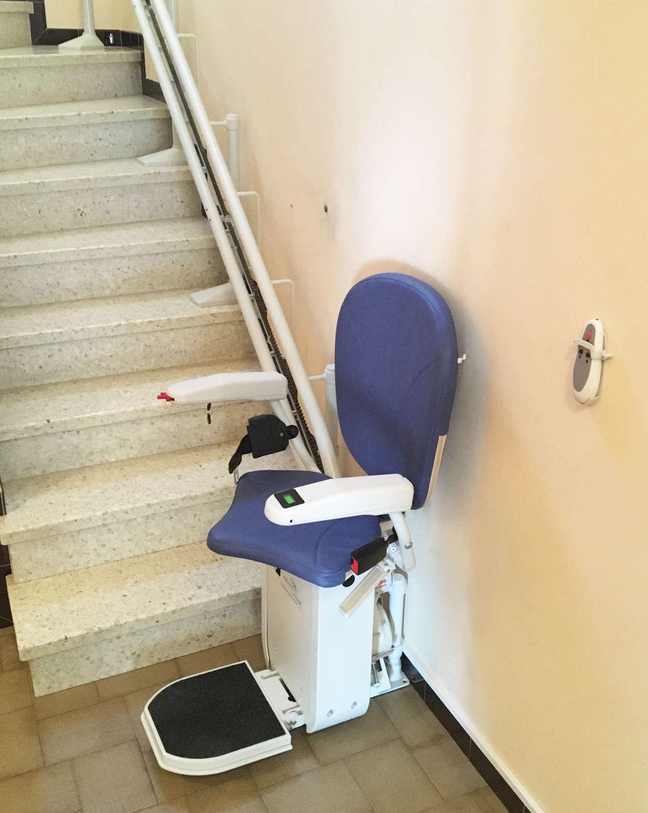 chaise monte escaliers curve tournant eurre sma. Black Bedroom Furniture Sets. Home Design Ideas